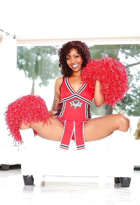 Cheerleader Black Pictures