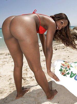Beach Black Pictures